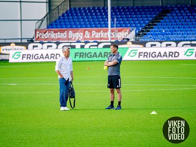 Assistenttrener Tom Freddy Aune og Tor Ole Skullerud  Foto: Thomas Andersen.