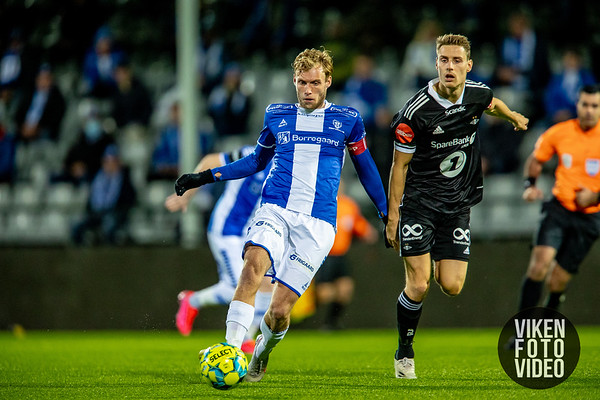 Sarpsborg 08s Jonathan Lindseth og Rosenborgs Kristoffer Zachariassen i kampen mellom Sarpsborg 08 og Rosenborg. Foto: Thomas Andersen