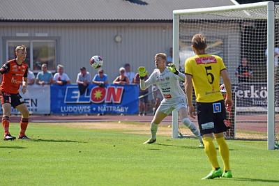 1-0 på väg. #1 Jesper Johansson