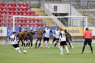 1-0 på gång, frisparksmål av #25 Nordin Gerzic