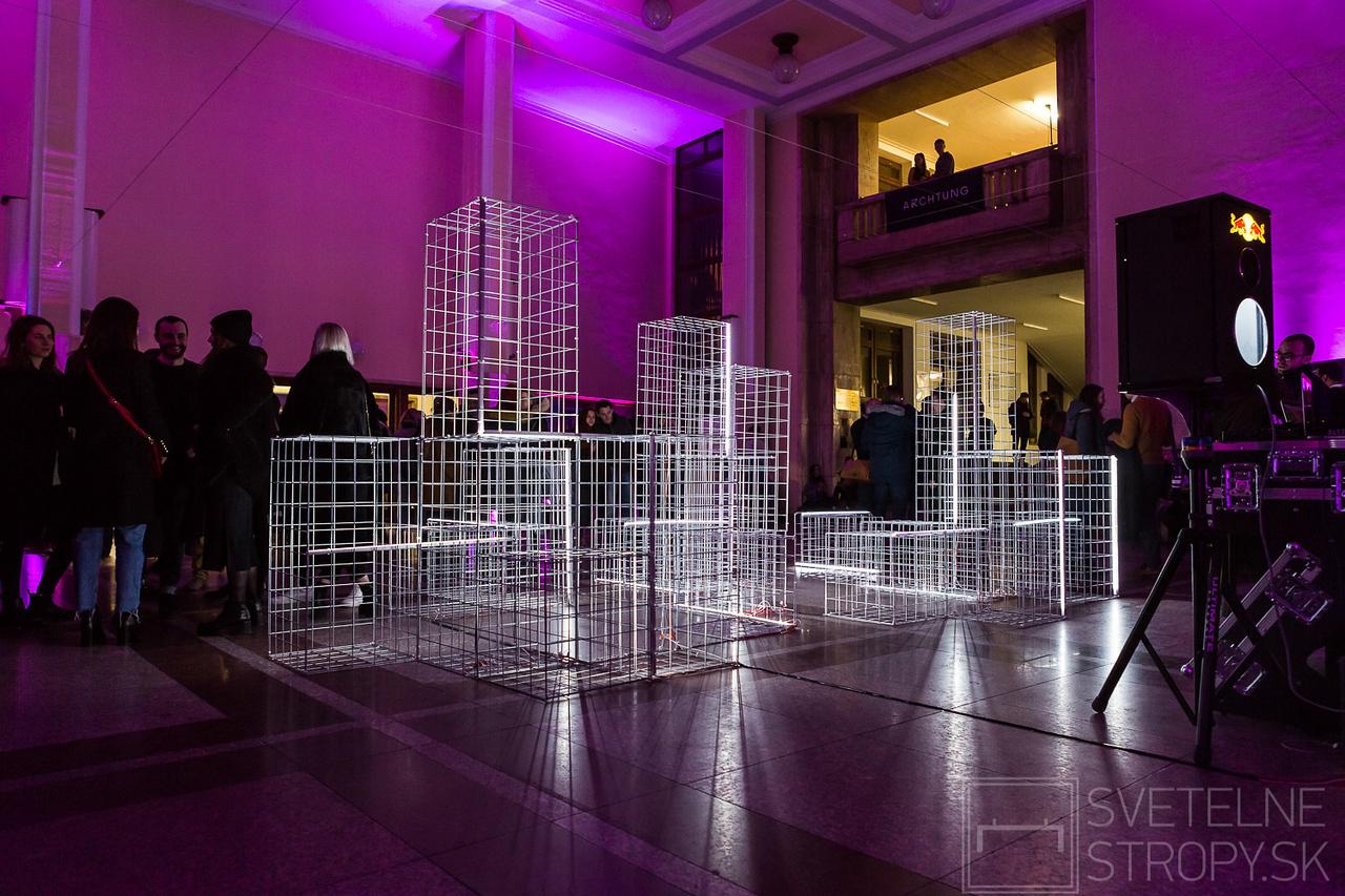 noc architektury
