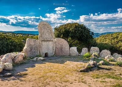 La tomba dei giganti di S'Ena e Thomes - Dorgali