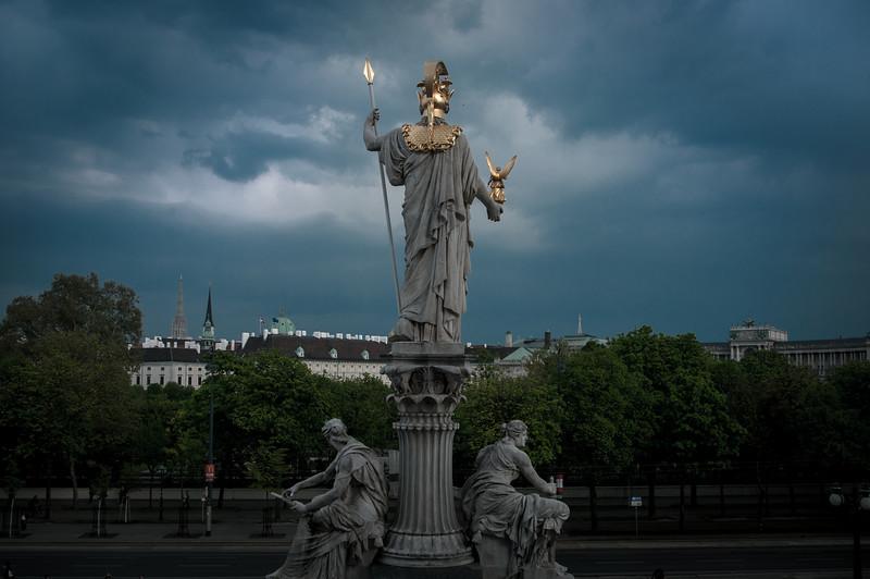 Vídeň - od parlamentu