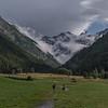 Gran Paradiso (4061 m) gezien van het plaatsje Cogne (in de buurt van Aosta )