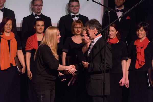 MePZ Cantemus na 36. območni reviji pevskih zborov iz občin Kamnik in Komenda, 8. februarja 2015 (Foto: Gašper Plevel)