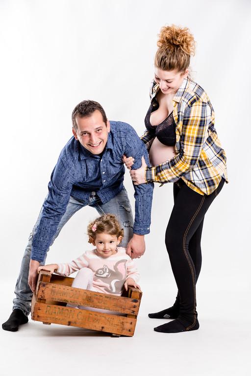 somos uno más fotografia de familia de Elena Rubio fotografa de embarazo y maternidad elenircfotografia