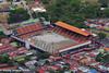 Colocación de gramilla artificial. Estadio Alejandro Morera Soto, Alajuela.