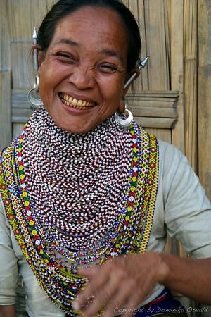 Bandarban, Bangladeš (2008) - Tripura modni dodatki. Bangladeško-burmansko mejno območje.