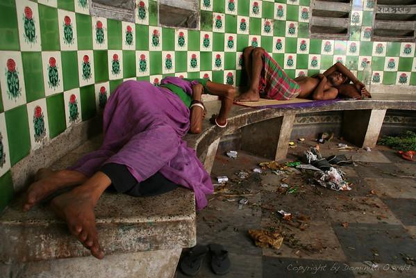 Utrujeni - Kolkata, Indija (2008)