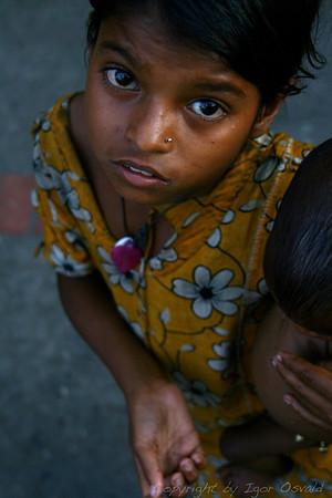 Lačni - Chittagong, Bangladeš (2008)