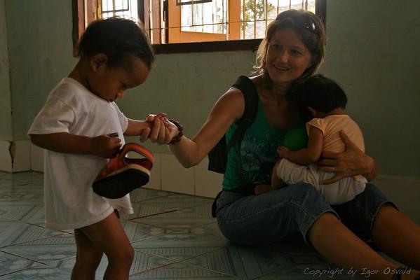 Zapuščeni - Kon Tum sirotišnica, Vietnam (2006)