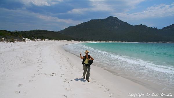 Freycinet, Tasmanija, Avstralija (2007) - Narediti nekaj kilometrov z rugzaki po peščeni plaži je bistveno bolj utrudljivo kot izgleda.