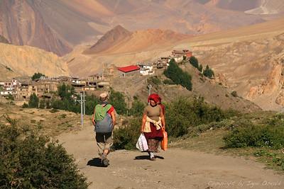 Kagbeni, Nepal (2008) - Spust s Thorong-La prelaza med magične doline severne Himalaje.