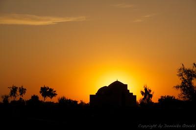 Konye Urgench, Turkmenistan (2011) - Še celo v takšnih državah sonce lepo zahaja.