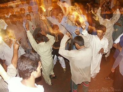 Sheikhupura, Pakistan (2005) - Ples je tu samo za moške.