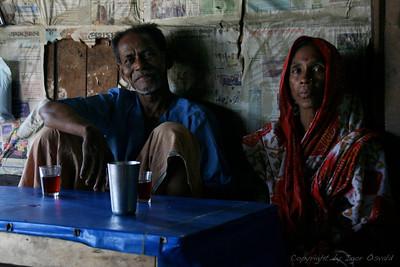 Bagerat, Bangladeš (2008) - Aranžirane poroke so še vedno pravilo v pretežnem delu sveta. Če zrasteš s takšno tradicijo, težko sploh pomisliš, da lahko zadeva poteka tudi drugače.