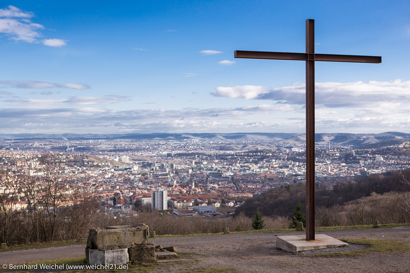 Stadt unter dem Kreuz