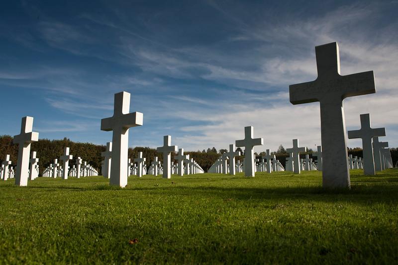 Op de Amerikaanse militaire begraafplaats in Romagne-sous-Montfaucon liggen 14.246 militairen die zijn gesneuveld gedurende de Eerste Wereldoorlog in Noord-West Frankrijk. Het is de grootste Amerikaanse militaire begraafplaats in Europa.
