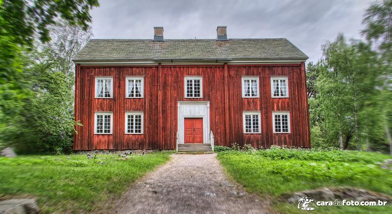 A Casa Vermelha Da Colina