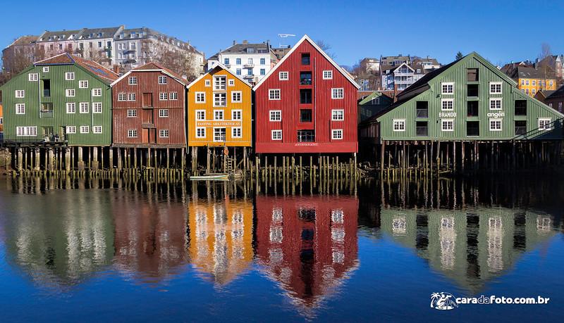 As Casas e os Reflexos