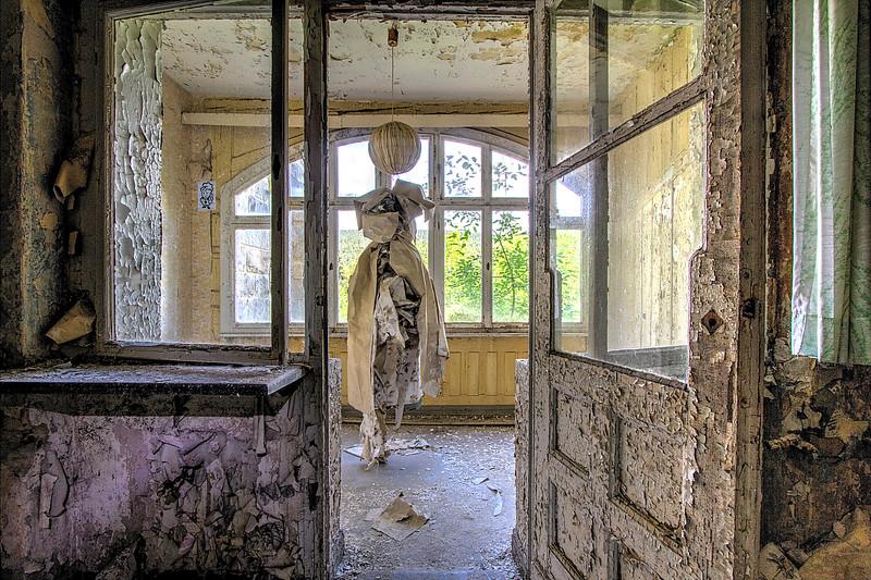 Fotograaf: Ron Wijdeveld, In de Harz staat nog veel leeg van uit de DDR tijd Van oud maakt men nieuw