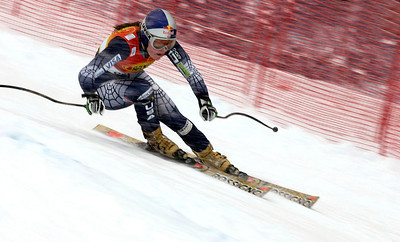 CORTINA D'AMPEZZO, ITALY - JANUARY 27: (FRANCE OUT) Lindsey Kildow of the USA competes during the FIS Skiing World Cup Womens Super G on January 27, 2006 in Cortina d'Ampezzo, Italy . (Photo by Agence Zoom/Getty Images)