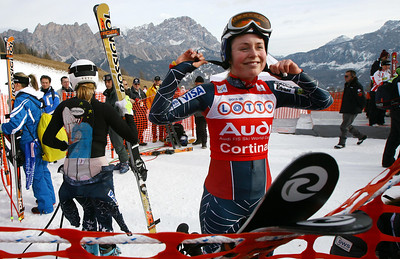 Cortina d'Ampezzo, ITALY:  US Lindsey Kildow smiles in the finish area during the second day training of the Alpine Women's Downhill in Cortina 18 January 2007. Kildow clocked the second best time.   AFP PHOTO / VINCENZO PINTO  (Photo credit should read VINCENZO PINTO/AFP/Getty Images)