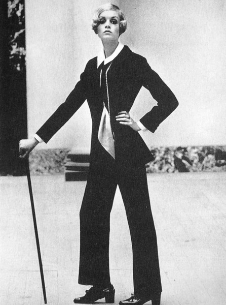 Twiggy Photographed by Helmut Newton