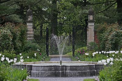 Fountain in Walled Garden at Old Westbury Gardens