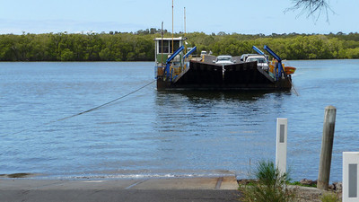 Barge across to South Ballina