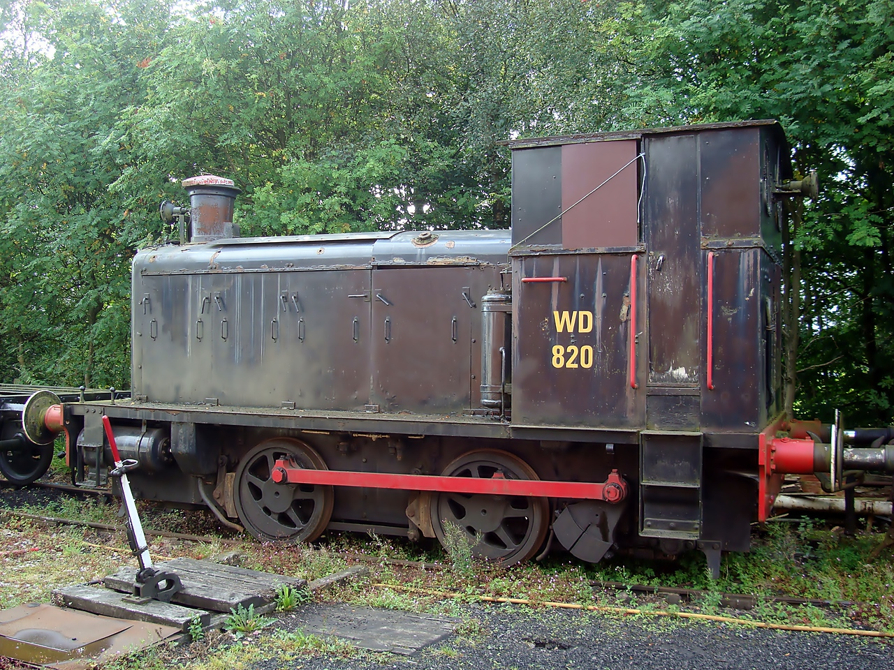 SH 1188 (WD820) English Electric Baguley Drewry 0-4-0DM. 21,08,2011