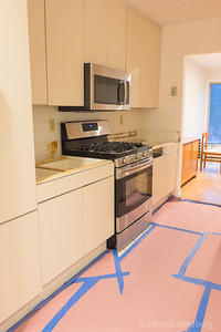 kitchen sans countertops