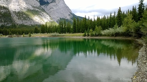 Cascade Ponds in Banff National Park, mountains reflecting
