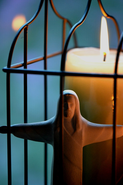 45  Jesus candle (center photo)