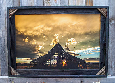 "Mapleton Barn Sun rays, 20x30"""