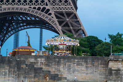 Eiffel Tower Carrousel