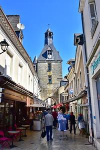 04222017_Amboise_Street_750_2002