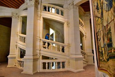 da Vincini's Double-Helix Staircase