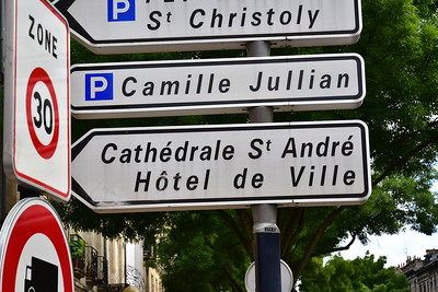 04292017_Bordeaux_Cathedral_Sign_750_3128