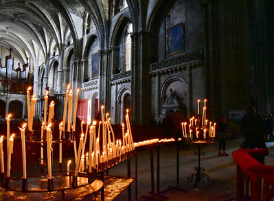04292017_Bordeaux_St_Andre_Cathedral_Candles_750_3169