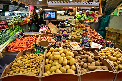 04292017_Bordeaux_Central_Market_Shopping-Chef_potato_750_2938A