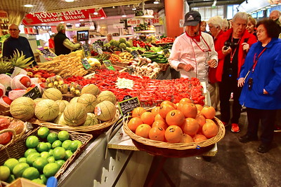 04292017_Bordeaux_Central_Market_Shopping-Chef_fresh_fruits_750_2941A