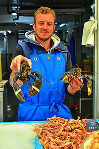 04292017_Bordeaux_Central_Market_Shopping-Chef_Lobsters_750_2911A