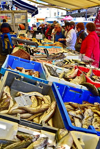 04292017_Bordeaux_Central_Market_Shopping-Chef_Fish_Market_750_2907A