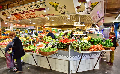 04292017_Bordeaux_Central_Market_Shopping-Chef_Vegs_750_2930A