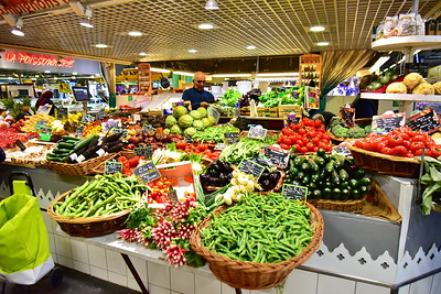 04292017_Bordeaux_Central_Market_Shopping-Chef_vegs_750_2931A