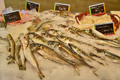 04292017_Bordeaux_Central_Market_Shopping-Chef_Fish_750_2929A