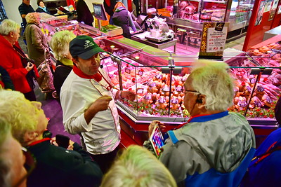 04292017_Bordeaux_Central_Market_Shopping-Chef_Chickens_750_2922A
