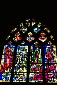 04292018_Bordeaux_Basilica_Saint_Michel_stained_glass_window_750_3250