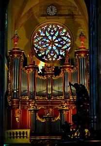 04292018_Bordeaux_Basilica_Saint_Michel_Organ_stained_glass_window_750_3225x